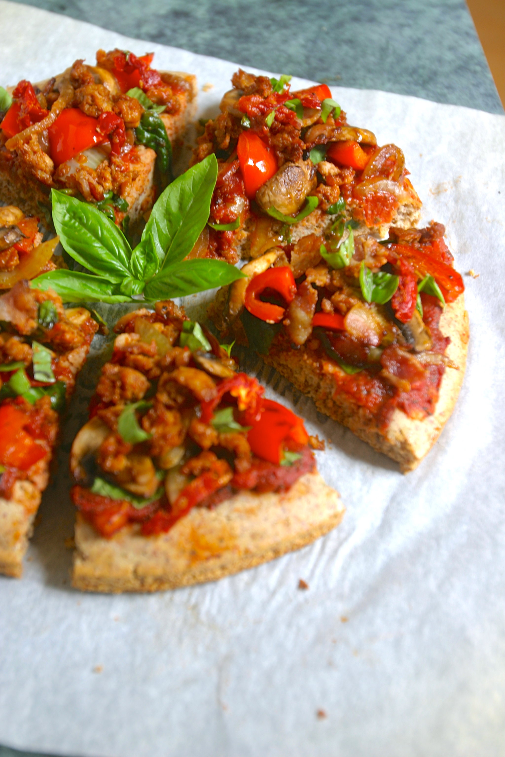 ultimate paleo pizza (grain free, gluten free, 21 DSD)