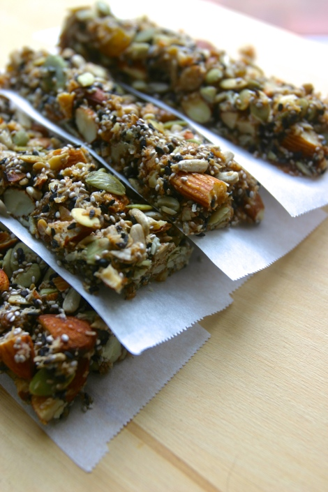 paleo KIND granola energy bars (nut and seed bars, gluten free, grain free)